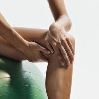 Синдроми на претоварване в областта на коляното